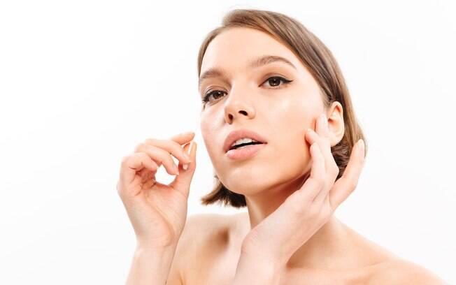 Os cleansing oils são limpadores à base de óleo feitos para remover as impurezas mais profundas da pele sem prejudicar a barreira de proteção natural