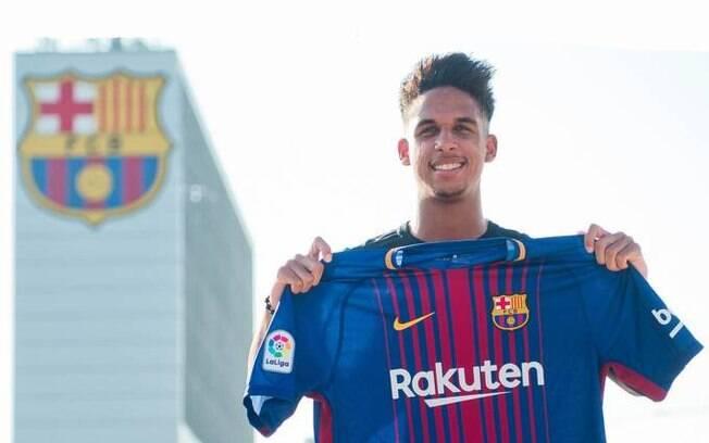 Vitinho jogou no Barcelona por uma temporada