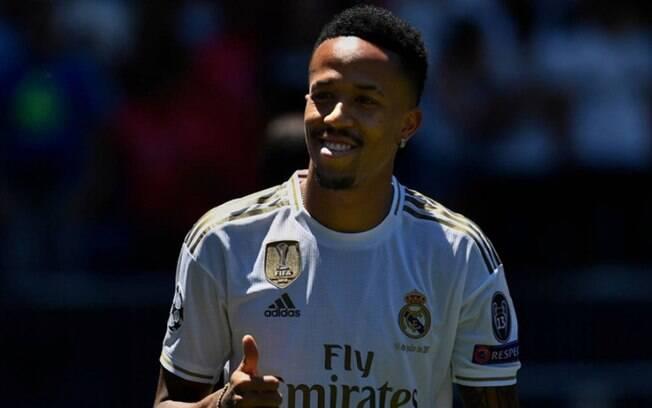 Liverpool tem interesse e acena com proposta para a contratação de Éder Militão, do Real Madrid