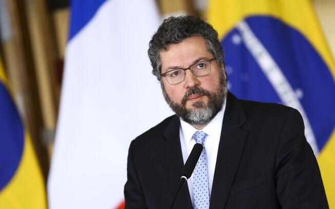 Itamaraty deveria retirar diplomatas venezuelanos do Brasil até sábado (2), mas PGR pede permanência por questão humanitária