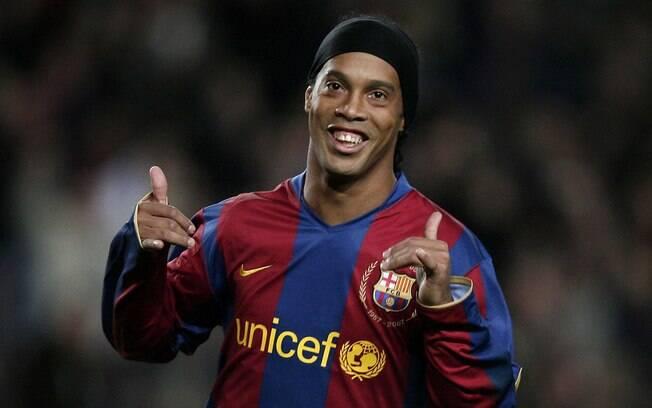 Ronaldinho Gaúcho jogou no Barcelona entre 2003 e 2008 e ganhou diversos títulos