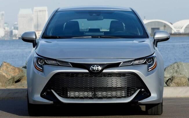 Toyota Corolla da nova geração é fabricado sobre a nova plataforma TNGA, preparada para  fabricação de híbridos