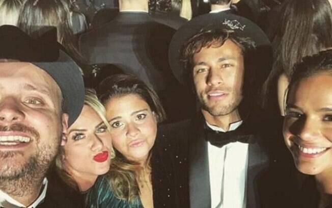 Giovanna Ewbank ao lado do casal Brumar (Bruna Marquezine e Neymar)