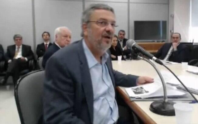 O ex-ministro Antonio Palocci negocia um novo acordo de delação premiada