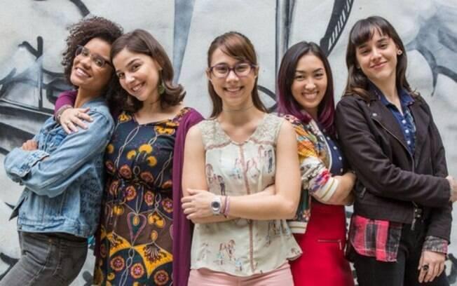 Da esquerda para a direita: Ellen, Keyla, Benê, Tina e Lica, personagens principais de