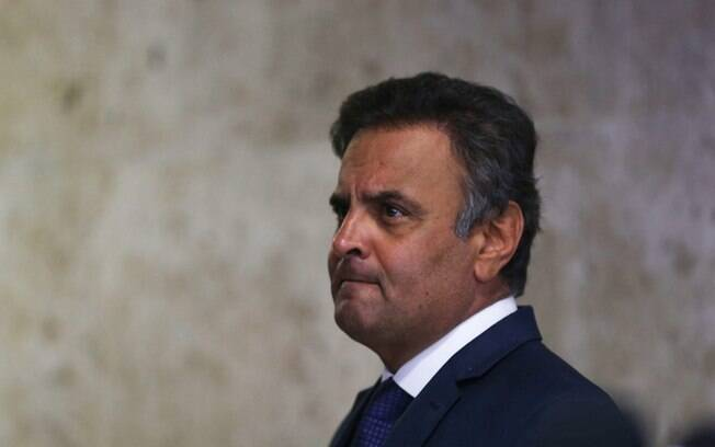 Manobra do STF beneficia Aécio