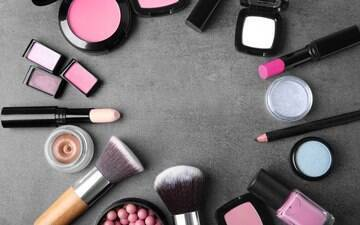 Como aproveitar ainda mais 5 produtos de beleza que você tem na bolsa