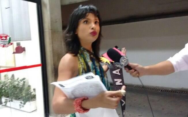 Jéssica Basílio ficou pelada durante manifestação em São Paulo