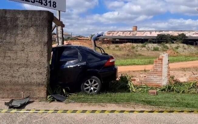 Motorista morre após bater carro em muro na Ruy Rodriguez, em Campinas