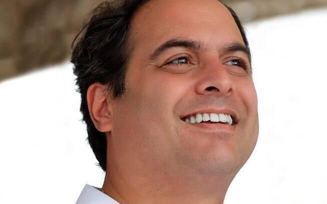 Paulo Câmara (PSB) é reeleito governador em Pernambuco