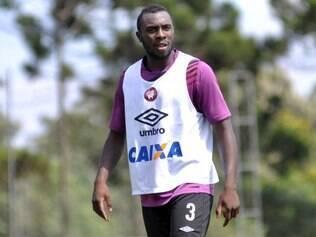 Manoel fez sua estreia na equipe profissional do Atlético-PR em 2009 e soma 263 jogos pelo clube do Paraná