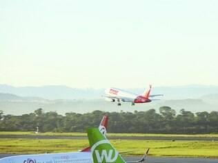 Voos extras. Companhias aéreas se preparam para a alta da demanda por viagens durante o verão