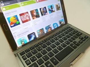 Com teclado, Tab S vira pequeno notebook