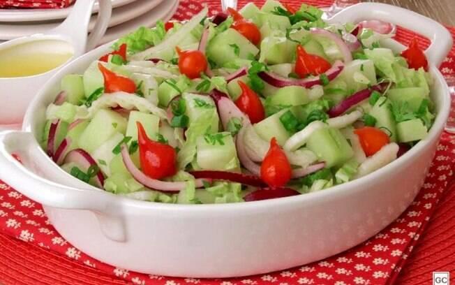 Receita rápida de salada de chuchu