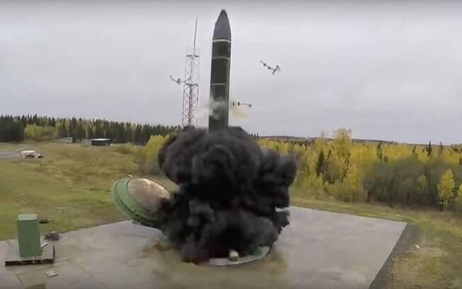 Ministério da Defesa russo em teste com o hipersônico Avangard