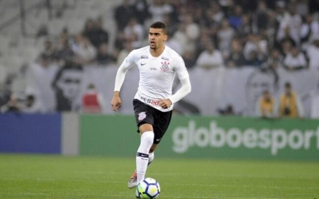 Léo Santos, zagueiro de 19 anos do Corinthians