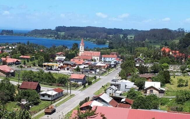 Vista de Puerto Octay, uma das cidades mais bonitas na roadtrip com o Nissan X-Trail