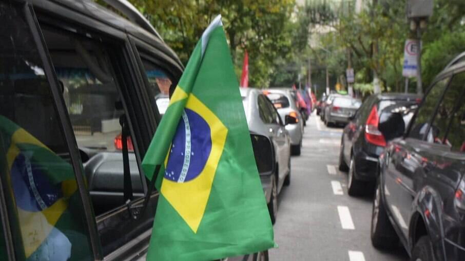 Motoristas que protestaram contra Bolsonaro foram multados em até 6 mil