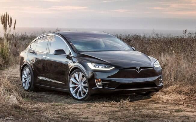 Tesla Model X, o crossover da marca americana; linha de veículos também é composta pelo sedã Model S e o hatch Model 3