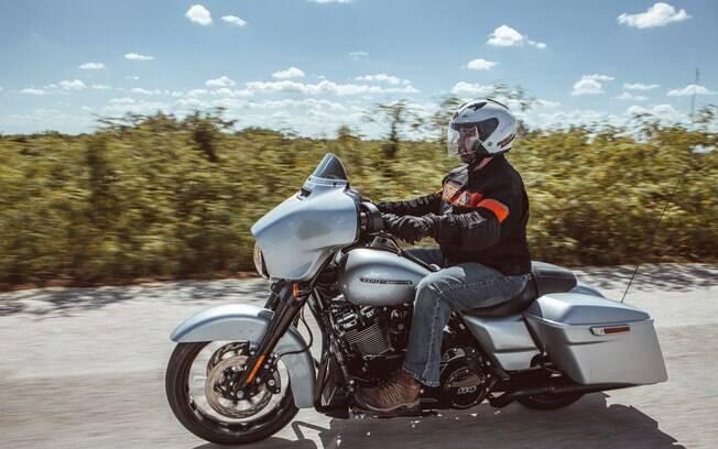 A Harley-Davidson Street Glide Special a caminho da cidade de Progreso