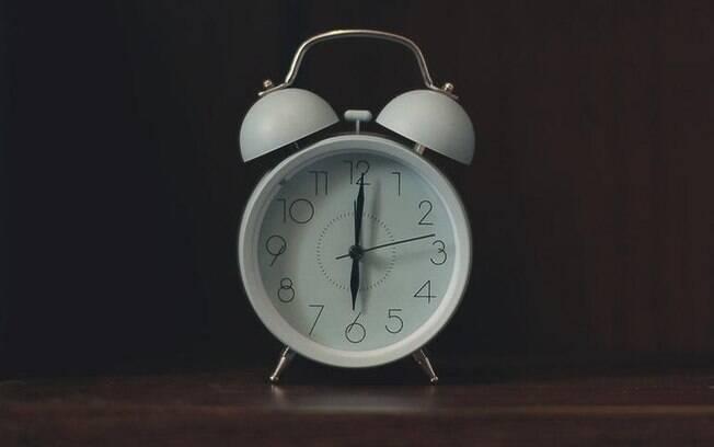 Dicas para acordar mais cedo e bem disposto