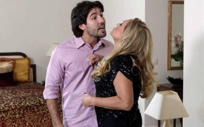Em Laços de Sangue, Susana Vieira e Sandro Pedroso interpretam o casal Lara Romero e Sandro