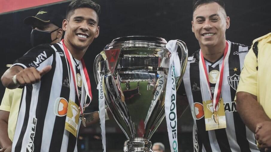 Vargas celebra conquista do Campeonato Mineiro pelo Galo