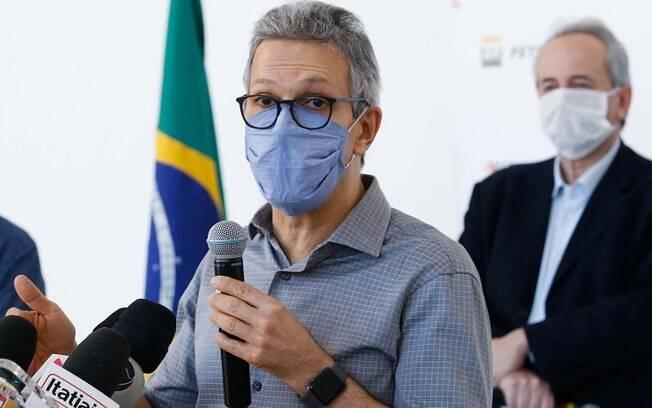 Governador de Minas Gerais alfinetou João Doria pela insistência em antecipar vacinação em São Paulo