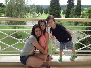"""Loreta e os filhos: """"Não adianta ensinar e depois tomar a frente, viver as experiências no lugar dos filhos"""