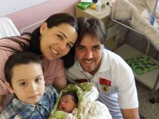 Após o susto, família comemora a chegada do pequeno Matheus