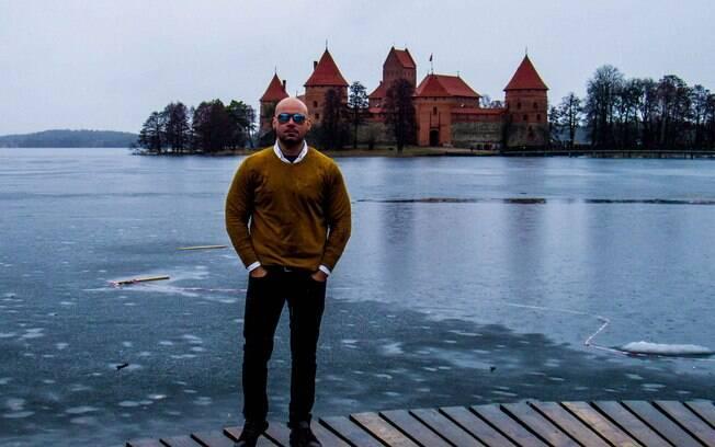 Na Lituânia (foto) e em todos os outros países do leste europeu, foi comum que Álvaro encontrasse pessoas falando em inglês