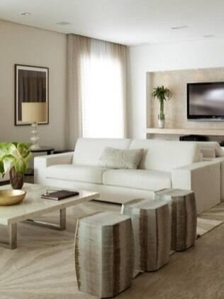 Reforma é possível quando estrutura e espumam do sofá estiverem preservadas