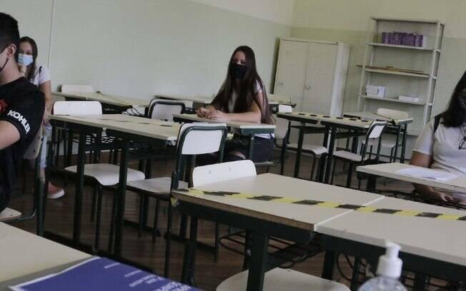 Alunos do ensino fundamental do Estado têm aulas presenciais retomadas hoje