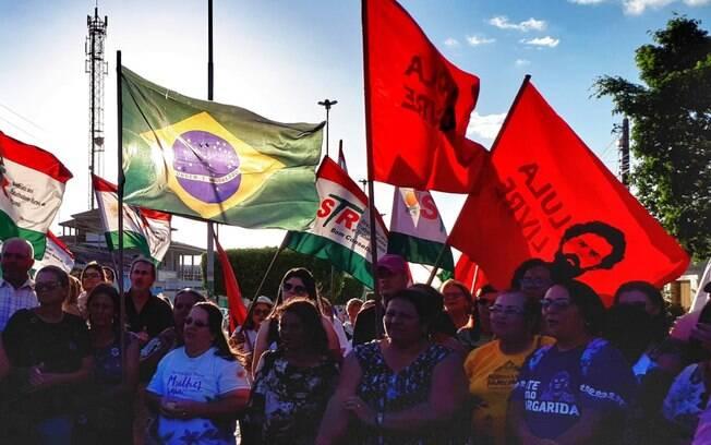 Mulheres marcham de Recife a Brasília