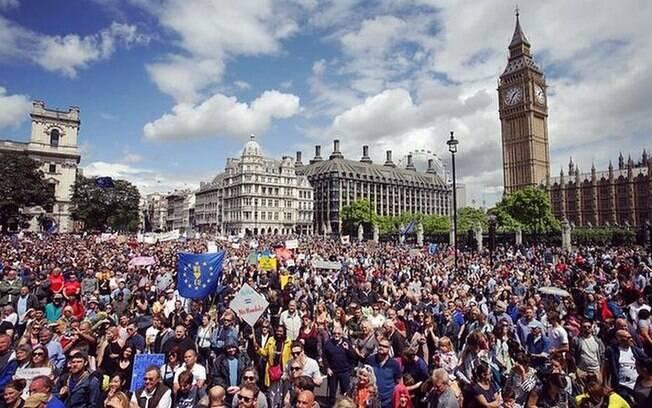 Processo do Brexit, que é a saída do Reino Unido da UE, não tem agradado Conservadores liderados por Theresa May