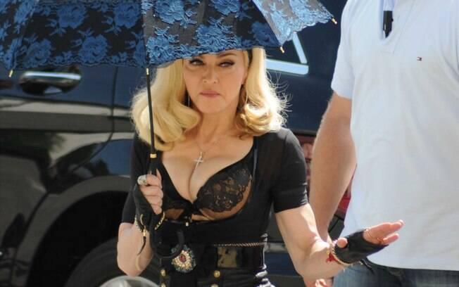 Madonna gravando seu novo videoclipe na Itália