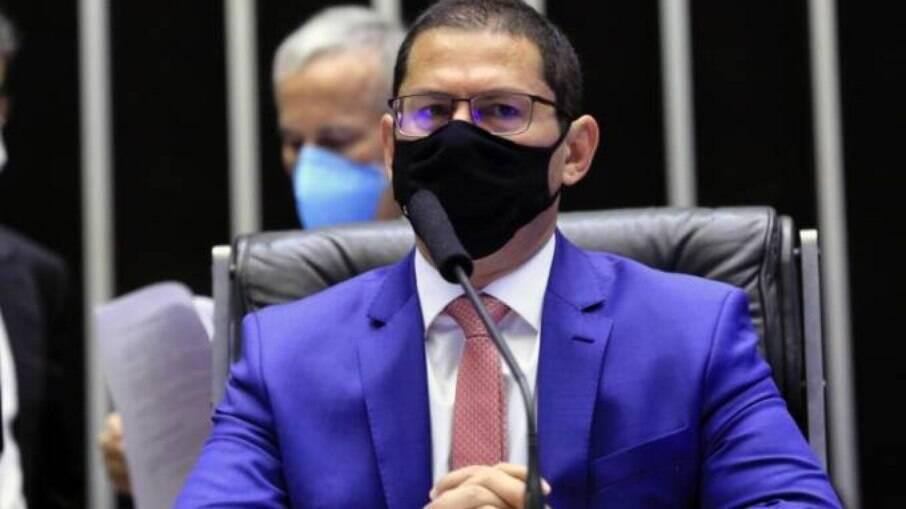 Marcelo Ramos, vice-presidente da Câmara dos Deputados, afirma que Bolsonaro extrapolou limites do poder Executivo ao editar os últimos quatro decretos que flexibilizam e ampliam a compra e o porte de armas