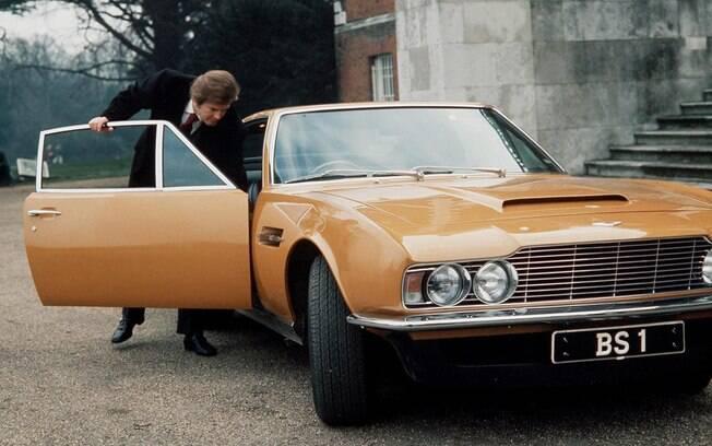 Aston Martin DBS era um dos carros preferidos de Roger Moore, que chegou a ter um exemplar na sua garagem