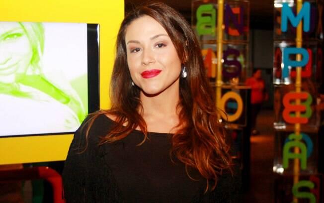 Quem também estreia em 2014 na emissora de Silvio Santos é a jornalista Nadja Haddad. Após um tempo desempregada, ela será epórter da WEB TV no SBT
