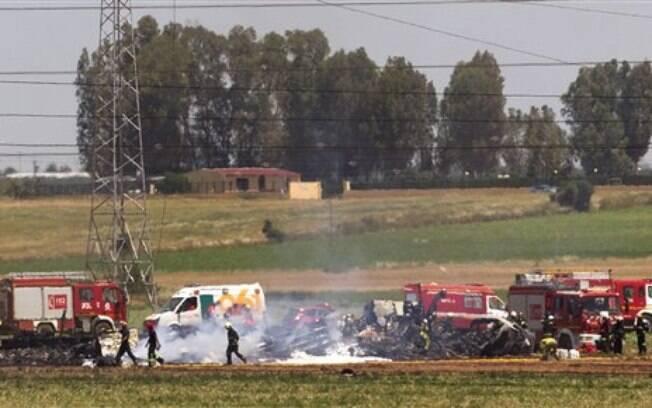 Avião militar de carga caiu próximo ao Aeroporto de Sevilha, na Espanha