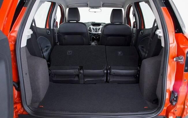 O Ford EcoSport é o que chega mais perto da média de 400 litros de capacidade do porta-malas, mas ainda fica um pouco longe, com 362 litros.