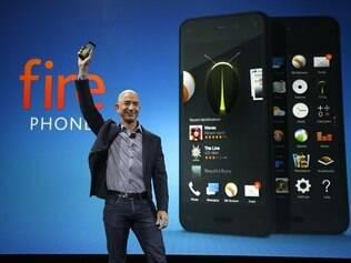 Jeff Bezos, CEO da Amazon, divulga o primeiro smartphone da empresa