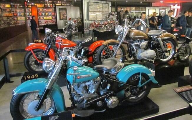 Interior do Museu Harley-Davidson, onde se via de tudo que fosse exclusivo