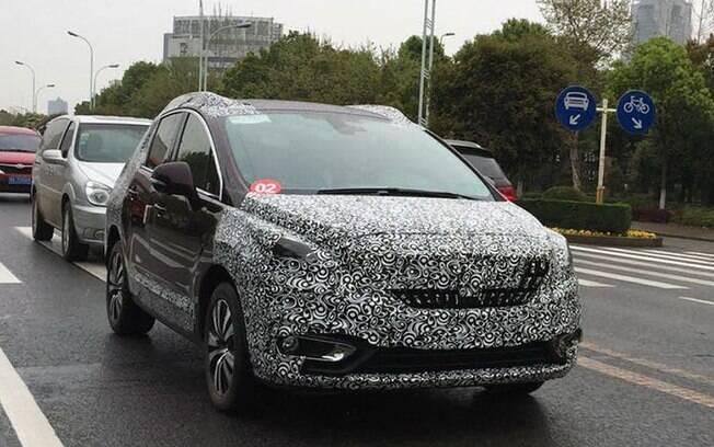 Nova Peugeot 3008 roda na China, antes da estreia