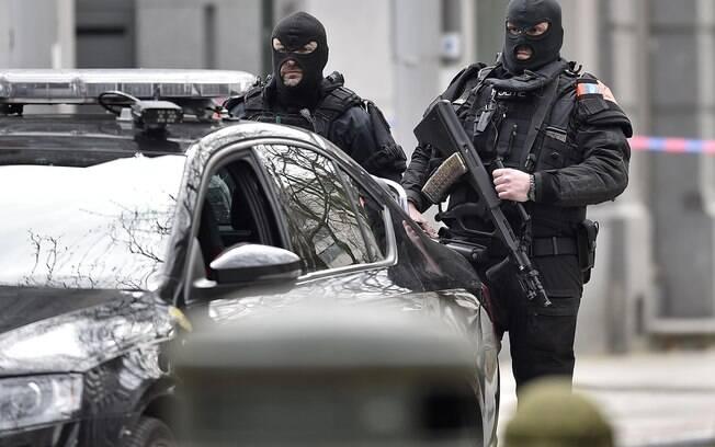 Investigadores acreditam que os ataques foram organizados pela mesma célula terrorista responsável pelos ataques em Paris