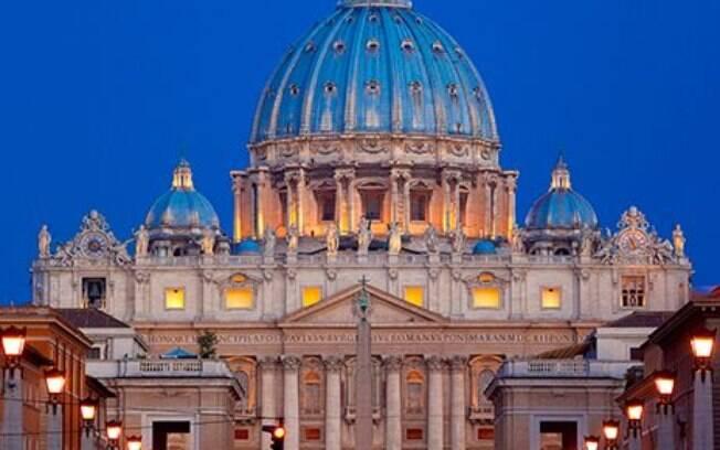 A Basílica de São Pedro, localizado no Vaticano, é um reduto de história, pois recebeu alguns dos pintores mais famosos