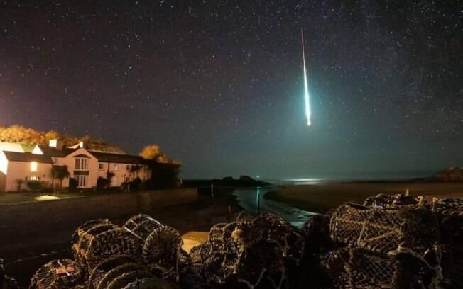 Imagem foi captada por fotógrafo britânico na cidade de Bude, no nordeste da Cornualha