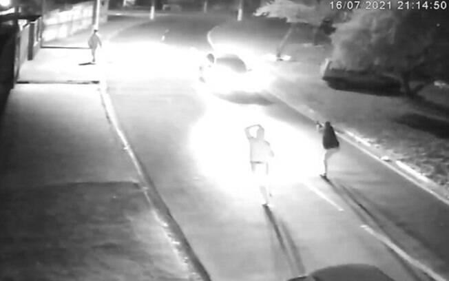 Vídeo: Câmeras flagram assaltos no Nossa Senhora de Lourdes, em Campinas