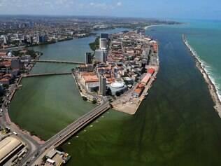 Clima quente de Recife favorece a proliferação do mosquito da dengue
