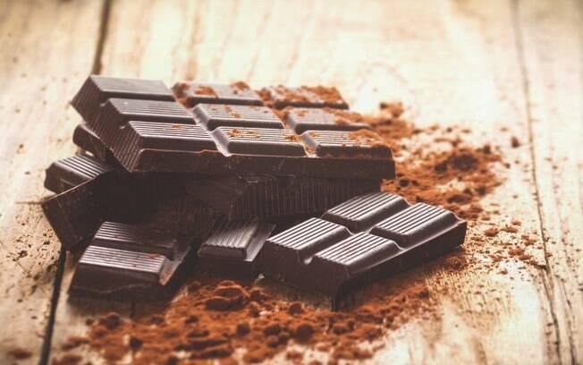 Chocolate amargo consumido 30 gramas ao dia pode ajudar a prevenir doenças cardíacas